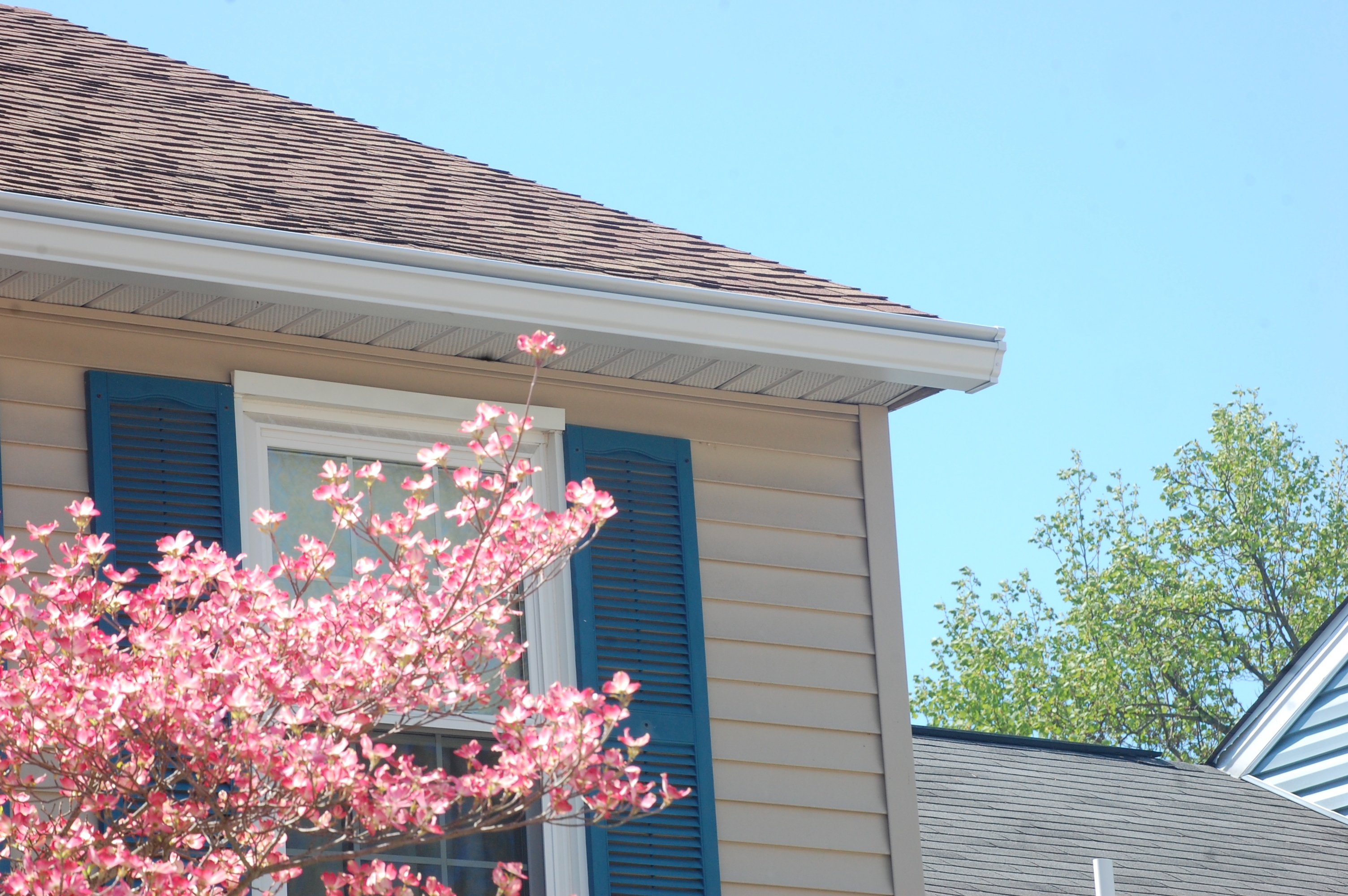 New Gutter With Mounting Brackets